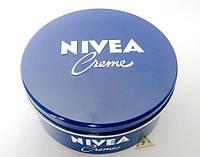 Крем универсальный увлажняющий для лица и тела  Nivea Creme 250 мл
