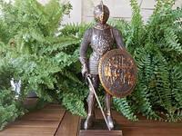 Коллекционная статуэтка Veronese Рыцарь в доспехах 72053A4