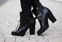 Высокие кожаные сапоги: с чем носить?