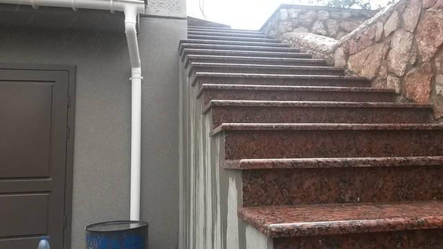 Объект в Ласпи,облицовка плиткой ,ступени (часть работ) 4