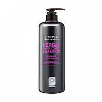 Шампунь на основе лекарственных трав Daeng Gi Meo Ri Professional Herbal Hair Shampoo 1000 ml