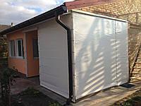 Непрозрачные ПВХ шторы для террасы дома