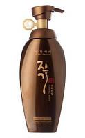 Регенерирующий энергетический шампунь Daeng Gi Meo Ri Vitalizing Energy Premium Shampoo 400 ml