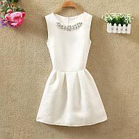 Платье женское жаккардовое с украшением белое