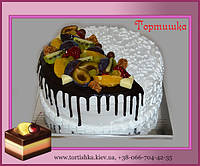 Фруктовый торт с конфетами