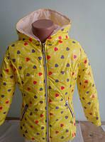 Модная детская куртка желтого цвета для девочки