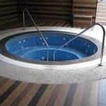 Мозаика для бассейна - практичный вариант для быстрой облицовки