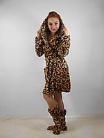 Женский махровый халат с капюшоном в комплекте с тапочками. Леопардовый принт
