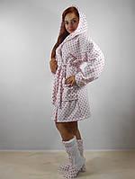 Женский махровый халат с капюшоном в комплекте с тапочками. Белый в мелкий горошек