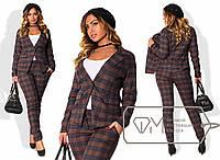Женский деловой костюм в клетку (батал) c-1515917