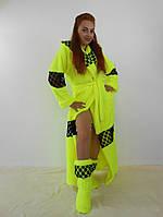 Женский махровый халат длинный с капюшоном на поясе. С кружевными вставками. Желтый цвет