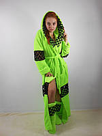 Женский махровый халат длинный с капюшоном на поясе. С кружевными вставками. Салатовый цвет