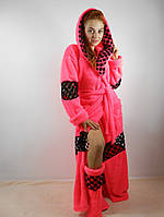 Женский махровый халат длинный с капюшоном на поясе. С кружевными вставками. Розовый цвет