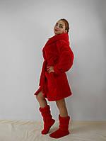 Теплый женский махровый халат с капюшоном, на поясе. Красный цвет