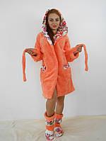 Теплый женский махровый халат с капюшоном в комплекте с домашними сапожками. Оранжевый цвет