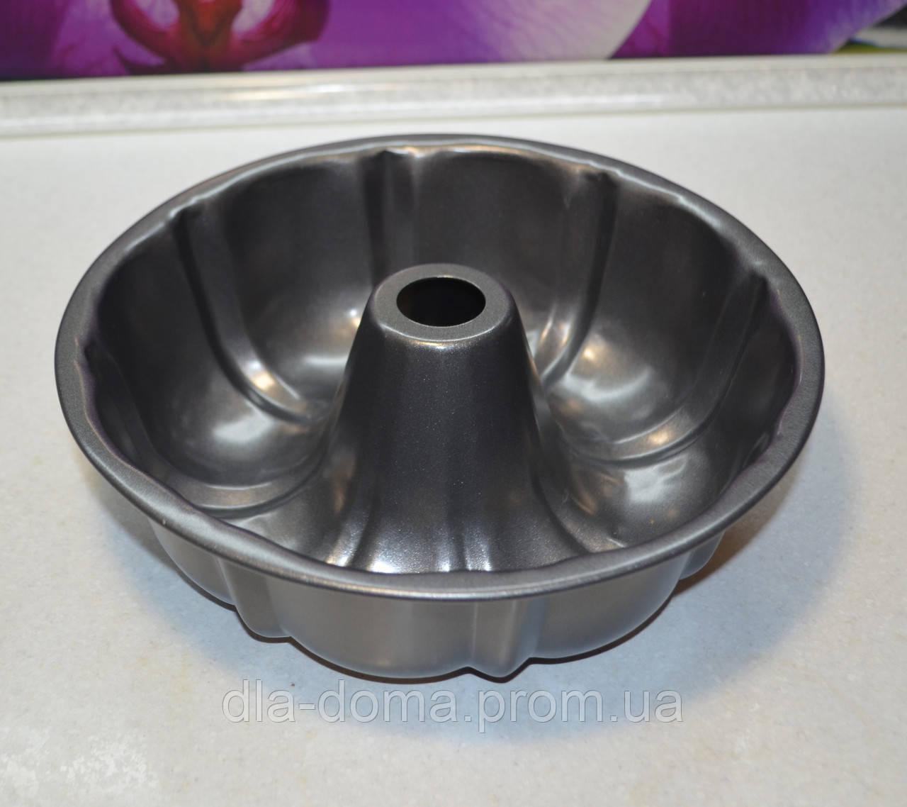 Форма для выпекания металлическая со втулкой диаметр 26 * 9 см.