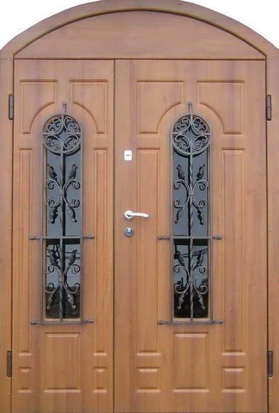 Арочная двухстворчатая дверь