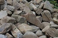 Камень речной валун