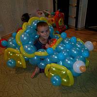 Машинка из шаров