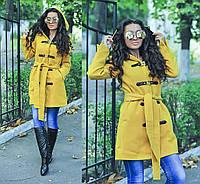 """Стильное горчичное пальто """" Бонус """"с капюшоном и поясом. Арт- 8781/74"""
