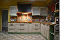 Кухня из массива с патиной