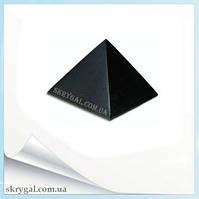 Пирамида шунгитовая полированная. 5*5 см.