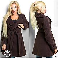 Стильное пальто на запах с тонким подкладом без утеплителя, клешеное от талии.