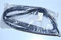 Уплотнитель Ланос(GM)стекла передней правой двери 96304083