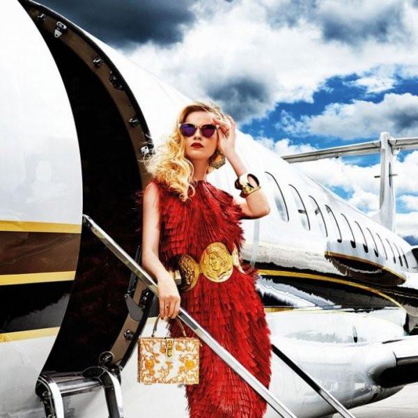 Путешествуем без багажа: как собрать косметичку в полет