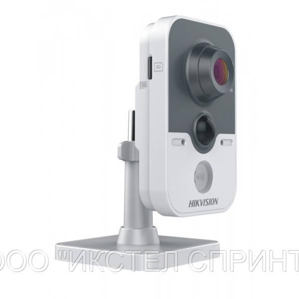IP видеокамера Hikvision DS-2CD2452F-IW