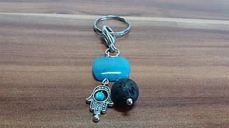 Брелок для ключей из аквамарина и вулканической лавы