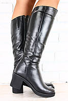 Женские кожаные сапоги на широком устойчивом каблуке