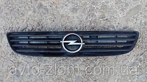 Решетка радиатора, капота Opel Zafira A, Опель Зафира А.