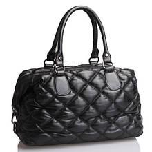 Borsa Trapuntato - Кожаная стеганая сумочка с замочком, соединяющим дно и верхнюю застёжку.