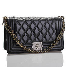 Piccola borsa nera - Маленькая черная сумочка с латунной застежкой и ручкой-цепочкой.