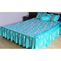 Покрывало атласное с рюшами и подушками  светло бирюзового  цвета