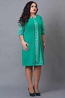 Женское платье прямого пошива с вставками гипюра бирюза