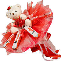 Букет из мягких игрушек Мишка с конфетами Kinder