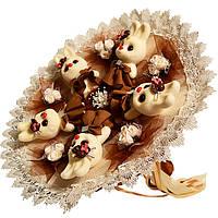 Букет из мягких игрушек Зайки со шляпками в коричневом