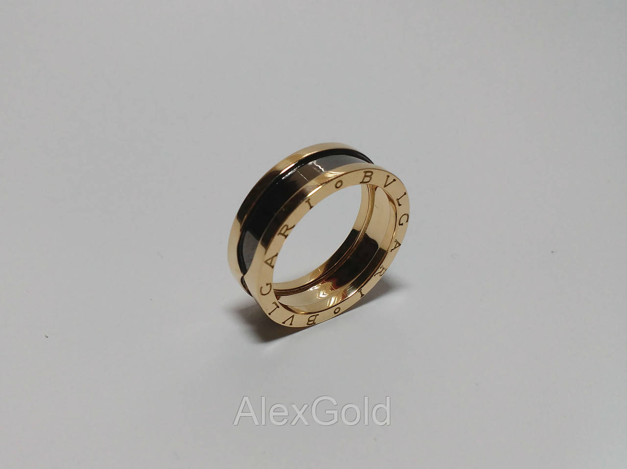 b0d97a4ff1b Золотое кольцо мужское Bulgari