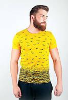 """Модная мужская футболка облегающего фасона с необычным принтом """"птицы"""" желтая, зеленая, красная, синяя"""