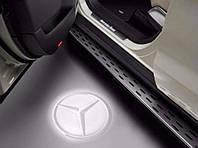Оригинальная проекция логотипа Mercedes в передние двери