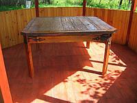 Мебель под старину, стол в беседке