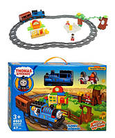 Конструктор Железная дорога Томас 8903, 47 деталей, 2 мини-фигурки, поезд с вагоном, свет, звук