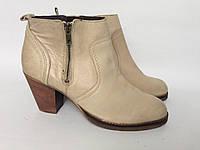 Женские ботинки Akira 41р.