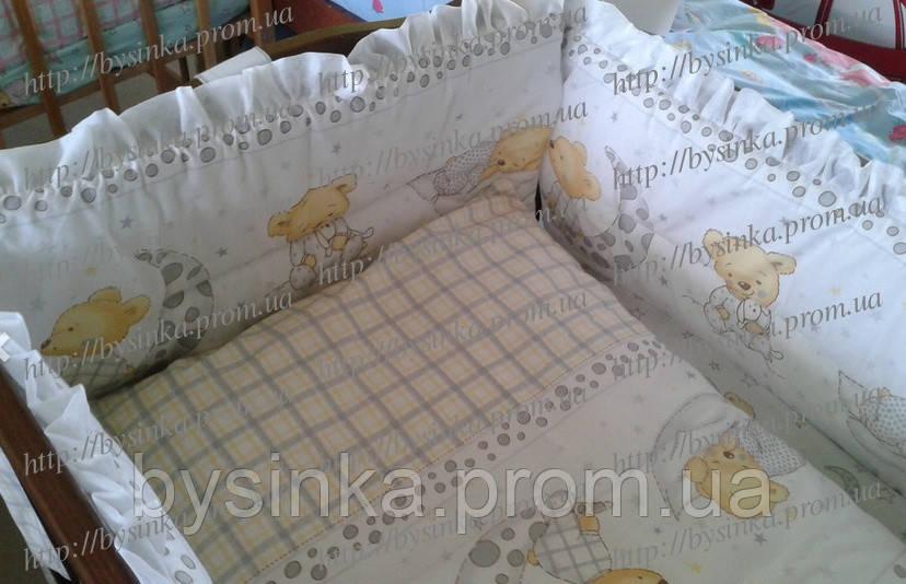 Детское постельное белье в кроватку с рюшей. Мишки на подушке