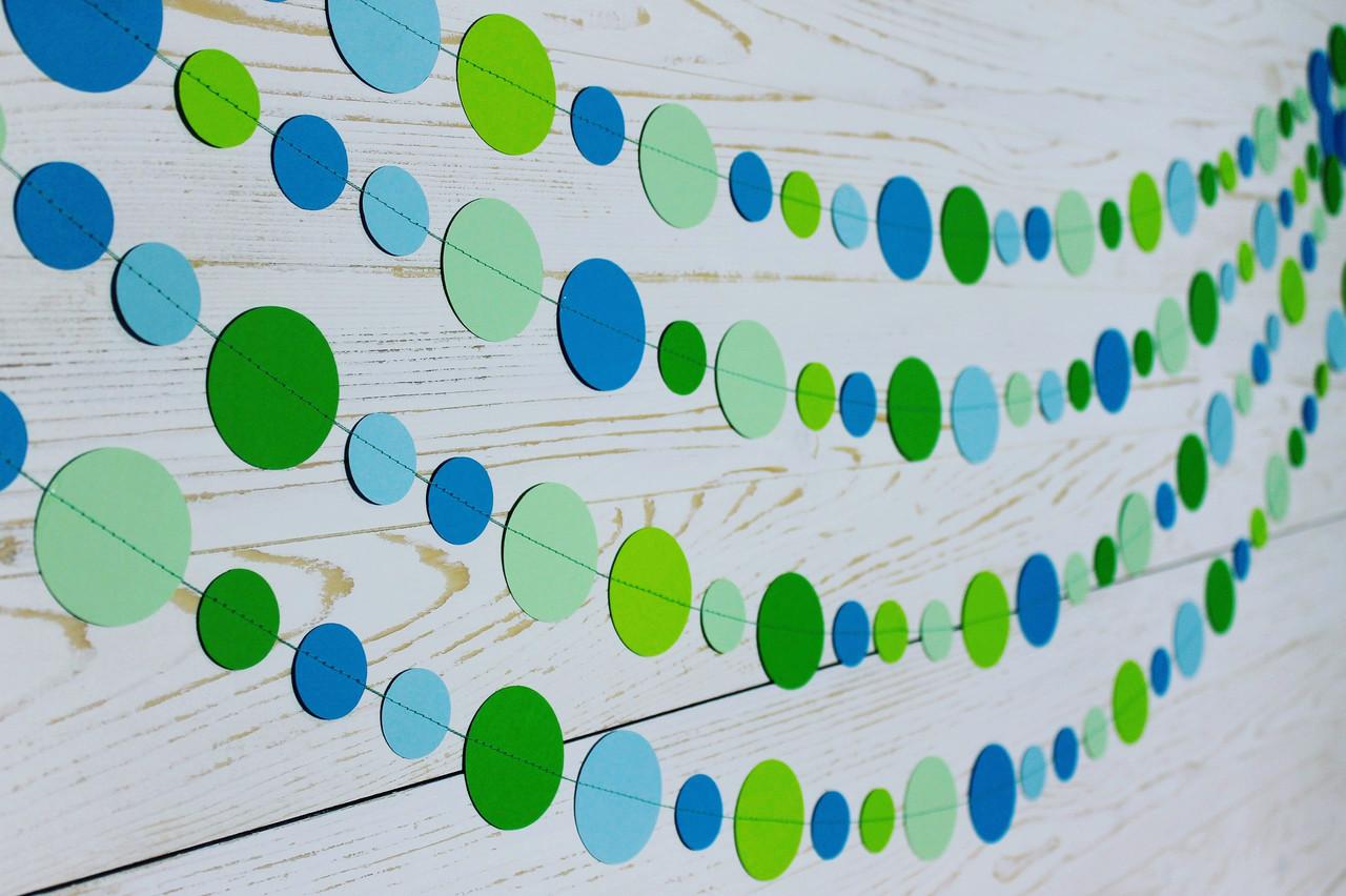 Бумажная гирлянда из кругов, зелено-голубая
