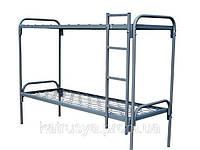 Кровать металлическая двухъярусная с лестницей