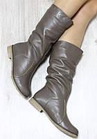 Зимние натуральные кожаные сапоги без замка на светлой подошве