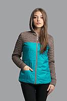 Теплая куртка сочетает в себе толстую двойную структурную вязку с курточной тканью